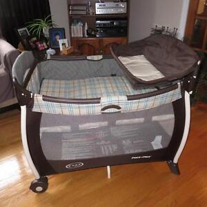 Graco Pack 'N Play Playpen Like New!