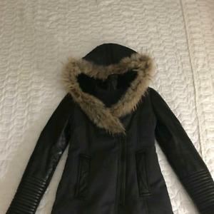 Manteau Rudsak medium manches et poches en cuir