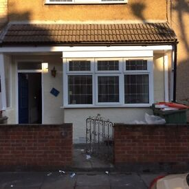 4 BED HOUSE TO RENT - MANOR PARK E12