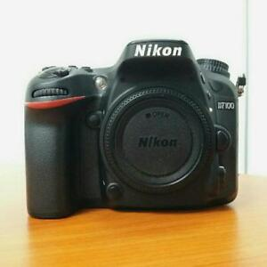 like new nikon D7100 dslr body with accessories