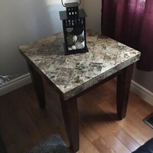 **New Price** Coffee table and matching end table Kitchener / Waterloo Kitchener Area image 2