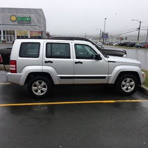 2011 Jeep Liberty SUV, Crossover