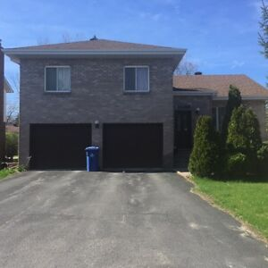 Great Home for Rent In Dollard des Ormeaux