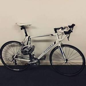 Giant Defy 2 (2014) Road Bike Adelaide CBD Adelaide City Preview