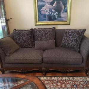 ***Beautiful 3 Piece Sofa Set with Coffee Table Included***