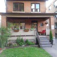 Charming Two Bedroom Townhouse - Yonge / Eglinton