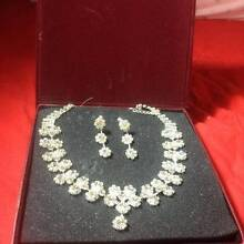 Near new Classy, crystal necklace & earring set Lane Cove West Lane Cove Area Preview