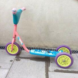 Dora girls 3 wheeled scooter £10 ono