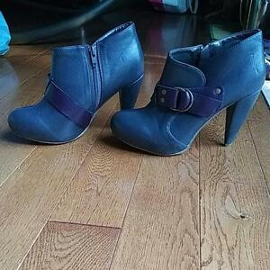 Grey Fall Boots, Size 36-37 Kitchener / Waterloo Kitchener Area image 3