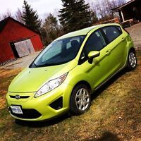 HEATED SEATS! WINTER TIRES! :) 2011 Ford Fiesta SE Hatchback Wat