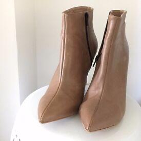EVA LOPEZ - Tan leather heeled boots