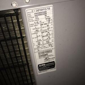 """2.5 TON AIR CONDITIONER UNIT """"MOVING, NEED GONE"""""""