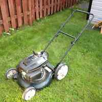Yardworks Lawn Mower/ Tondeuse Yardworks