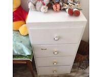 4 white drawers unit