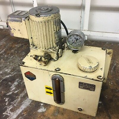 Showa Lubrication System, 220 V, 0.3 l/min, MLA-03W, 3 L. Tank, Used