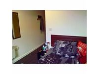 TRAMWAYS STUDENT ACCOMODATION, DOUBLE BED, EN-SUITE, REFURBISHED, KITCHEN AND ROOM