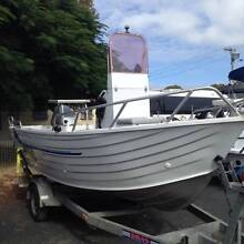 2000 Blue Fin 4.5 Centre Console 50hp Mariner Urangan Fraser Coast Preview