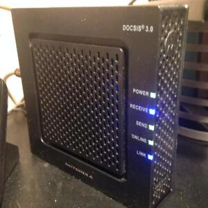 Like new SB6120 SURFBOARD Cable Modem