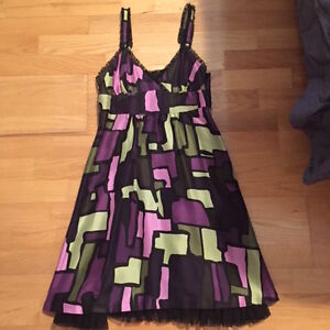 STUNNING NEVER WORN Kensie Dress - Size Small