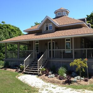 Colpoys Bay, 3 bdrm, 3 bath  home for rent, on Bruce Trail