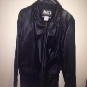 New Roots Womens Leather jacket in black Medium