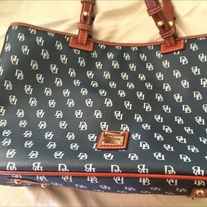 Large leather Dooney Bourke handbag brand new