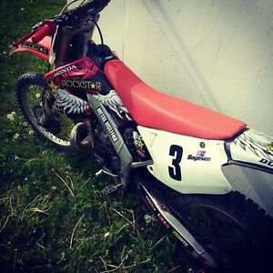 2001 Honda CR250R 2 Stroke Mint Lots of Mods!!!!
