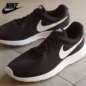 Nike tanjun running shoes brand new without box