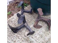 Vintage Cast Iron Shoemaker Cobbler Shoe Repair Stand Form METAL DOOR STOPPER