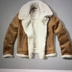 WANTED - WOMEN'S SMALL SHERPA LINED SHERLING SHORT JACKET