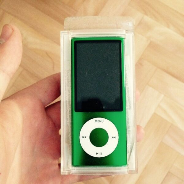 ipod nano 5g gr n 8gb in essen essen borbeck mp3. Black Bedroom Furniture Sets. Home Design Ideas