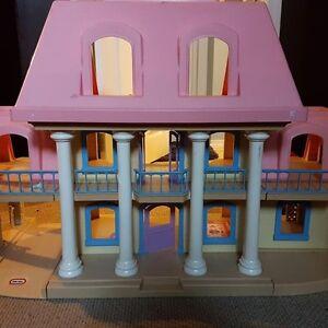 La grande maison des maîtres de Little Tikes