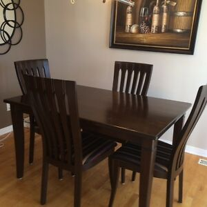 Gorgeous Hardwood Dining Table with 4 chairs