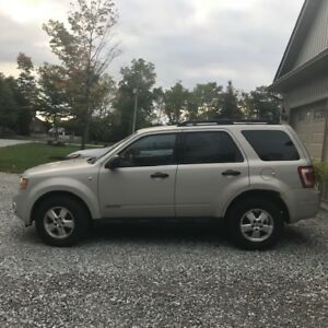 FORD ESCAPE for Parts or Fixer up