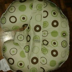 Leachco Organic Smart Cuddle U Original Nursing Pillow West Island Greater Montréal image 1