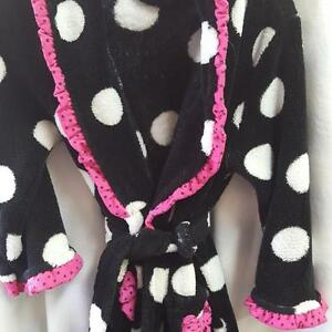 PETITE LEIM PLUSH ROBE EUC SIZE 2/3    NOT REDUCING ANYMORE