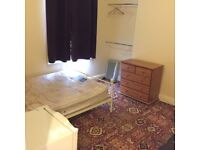 Single room in a shared flat on Abbeville Road, Clapham South £500 15th Sept