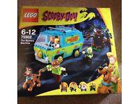 LEGO SCOOBY DOO MYSTERY MACHINE 75902 - RETIRED SET