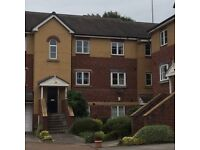 Beautiful 2 Bedroom Flat, Meanwood, Leeds. Excellent location. Close to shops, bus routes etc.