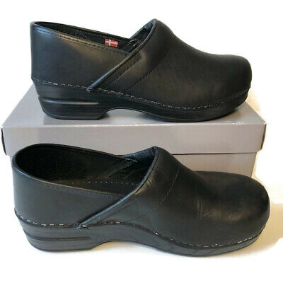 Sanita Womens 10 Black Leather Slip Resistant Professional Clog Shoes Nursing Sanita Slip Resistant Clogs