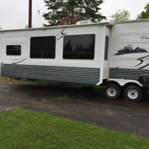 Park Model Trailer - 44' Crossroads Hampton