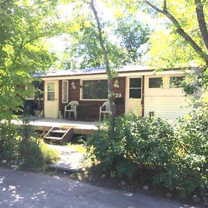Cozy, well cared for 2bed/1bath mobile home.