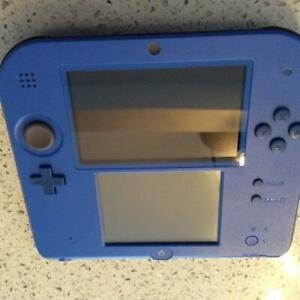 blue 2ds with installed games.