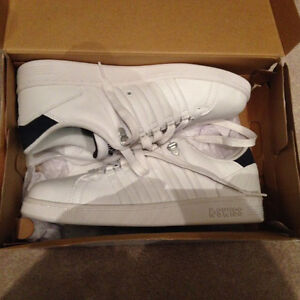 K SWISS MENS 9.5 SHOES (BRAND NEW/NEVER WORN) $80 or best offer.