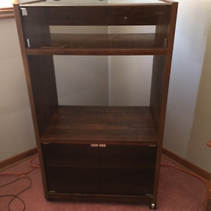 Mint solid wood entertainment unit
