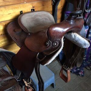 16 inch western trail saddle for sale