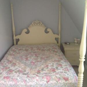 Double Poster Bed for Sale