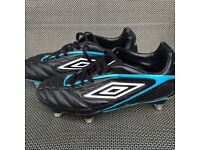 Boys/ Girls Umbro Football Boots