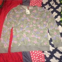 *brand new with tags* floral sweater from h&m