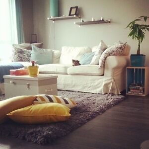 condo for available for lease /condo a louer (bail annuel)